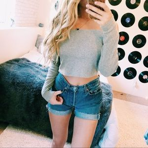 3 FOR 20 🌟 GRAY OFF THE SHOULDER CROP TOP